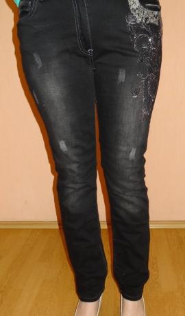 5-0340 Melnas džinsas ar dekoru un spīdumiem
