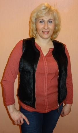 2-0358 Melna ādas imitācijas veste