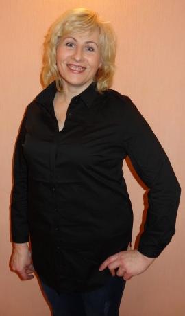 1-0899 Melns krekls ar pogām