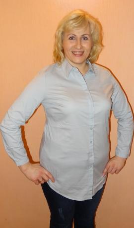 1-0908 Gaiši zils krekls ar pogām