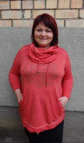 2-0333 Koraļļu krāsas džemperis