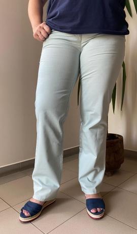 5-0482 Gaiši piparmētru krāsas džinsi