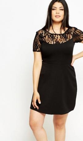 3-0505 Melna kleita ar mežģīni augšdaļā