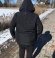 6-0294 Melna stepēta vējjaka ar noņemamu kapuci