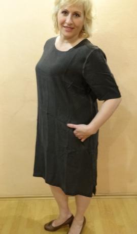 3-0537 Pelēka kleitiņa ar kabatām