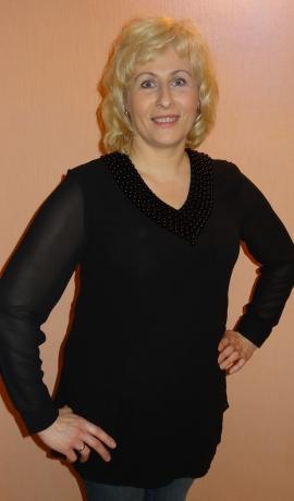 1-0860 Melna tunika ar pērlīšu dekorējumu