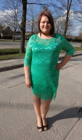 3-0276 Zaļa mežģīņu kleita