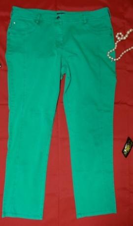 5-0227 Zaļi džinsi