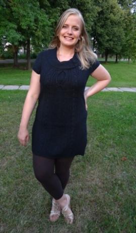 2-0208 Melnas krāsas džemperis ar īsām rokām