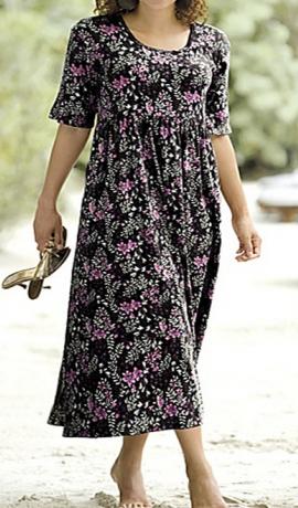 3-0335 Melna puķaina kleita