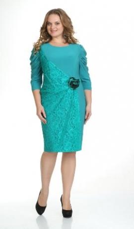 3-0214 Zaļa kleita ar dekoratīvu mežģīni