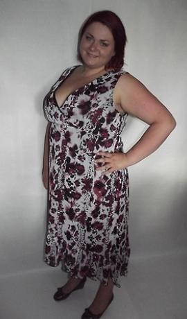 3-0057 gara Raiba kleita ar pagarinātu aizmuguri