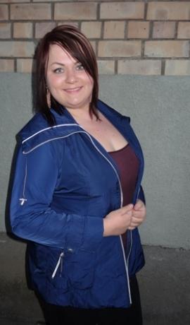6-0161 Tumši zila virsjaka ar baltas līnijas dekoru