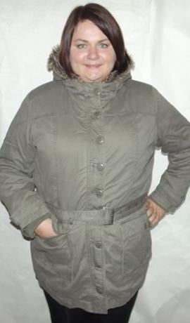 6-0064 Olīvkrāsas jaka 2vi 1nā ar kapuci