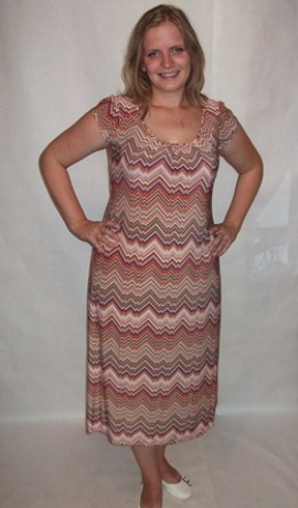 3-0062 Abstrakta rūsas krāsas toņa pusgara maxi kleita
