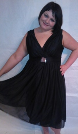 3-0104 Melna svētku kleita