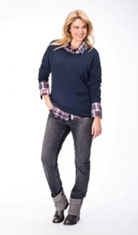 2-0326 Tumši zils džemperis