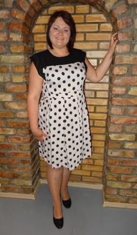 3-0158 Krēmkrāsas kleita ar pumpiņām