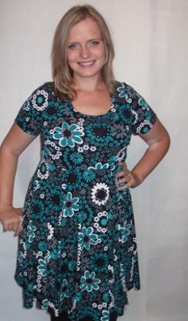 3-0074 Tumši zaļa džersija kleita ar puķēm