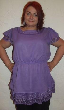 1-0220 Gaiši violets tops ar dekorējumiem