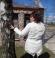 6-0099 Balta vējjaka ar kabatām
